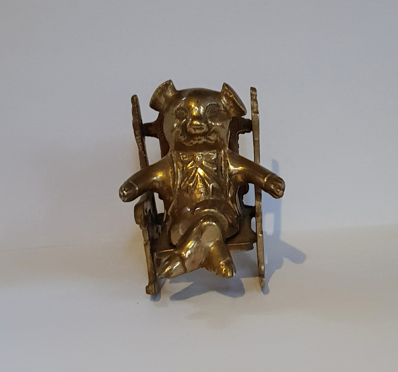 Pig in Armchair Tiller Pin